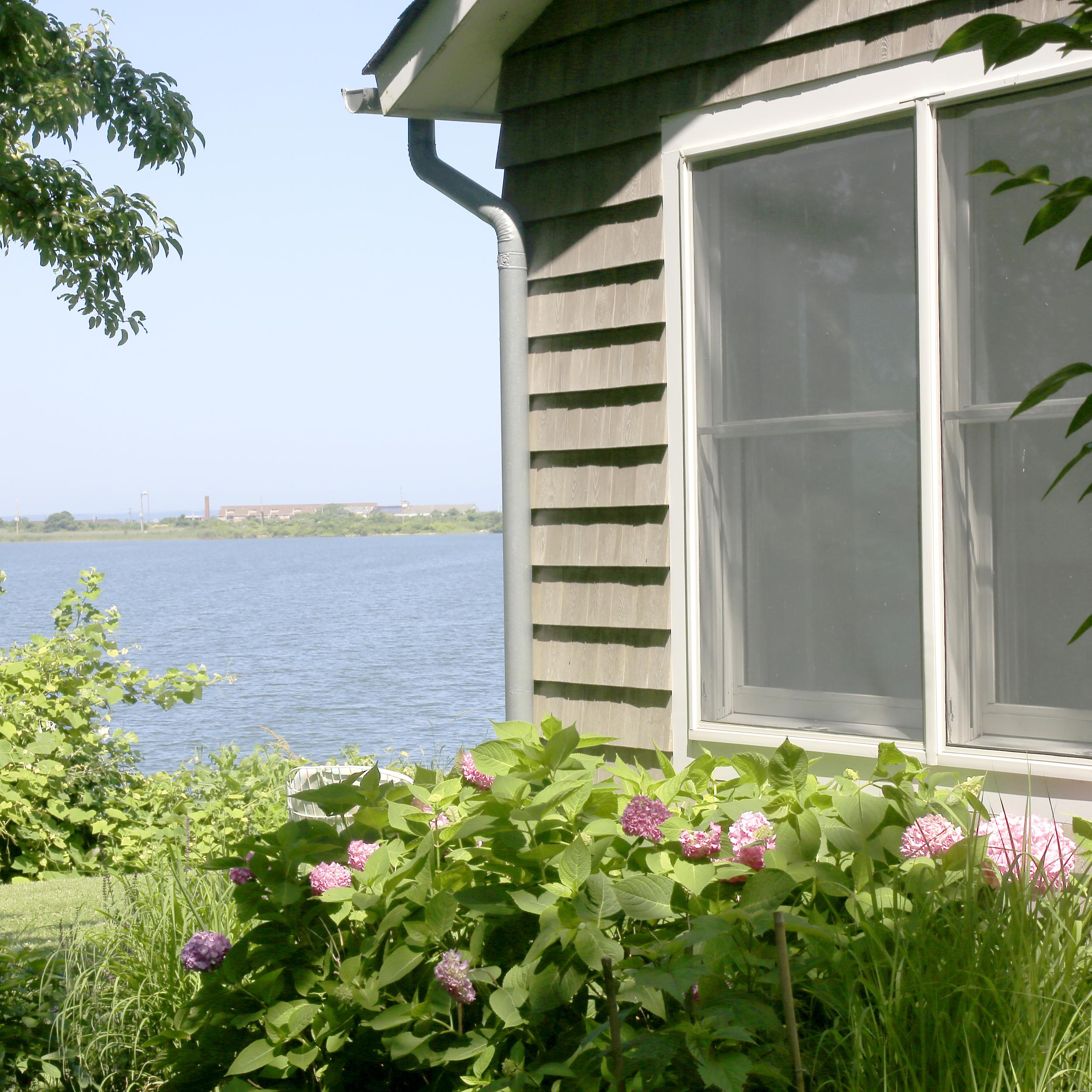 side of cottage.jpg
