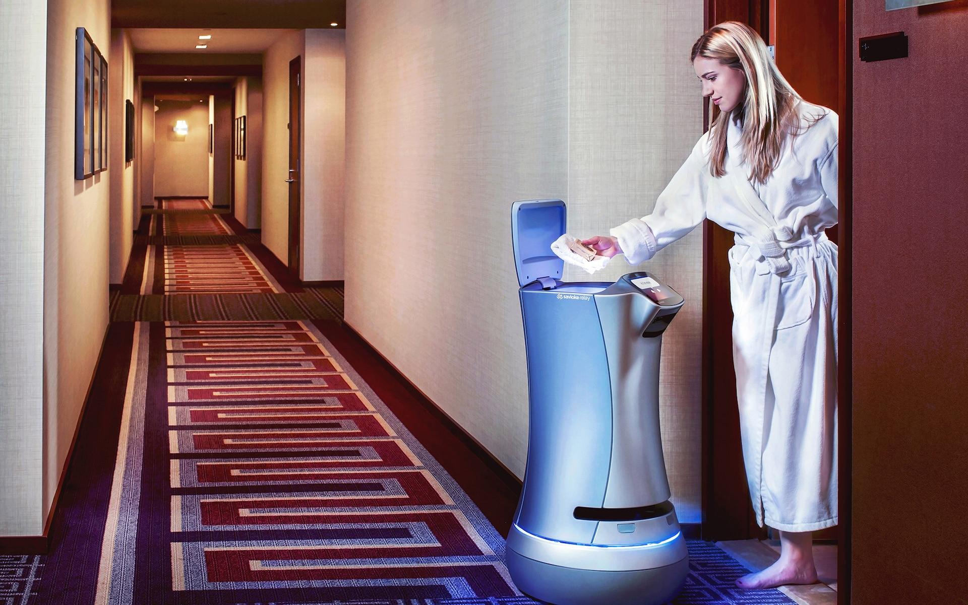 Det kan virke som en gimmick men stadig flere hoteller erstatter mennesker med roboter.  Foto: The Telegraph
