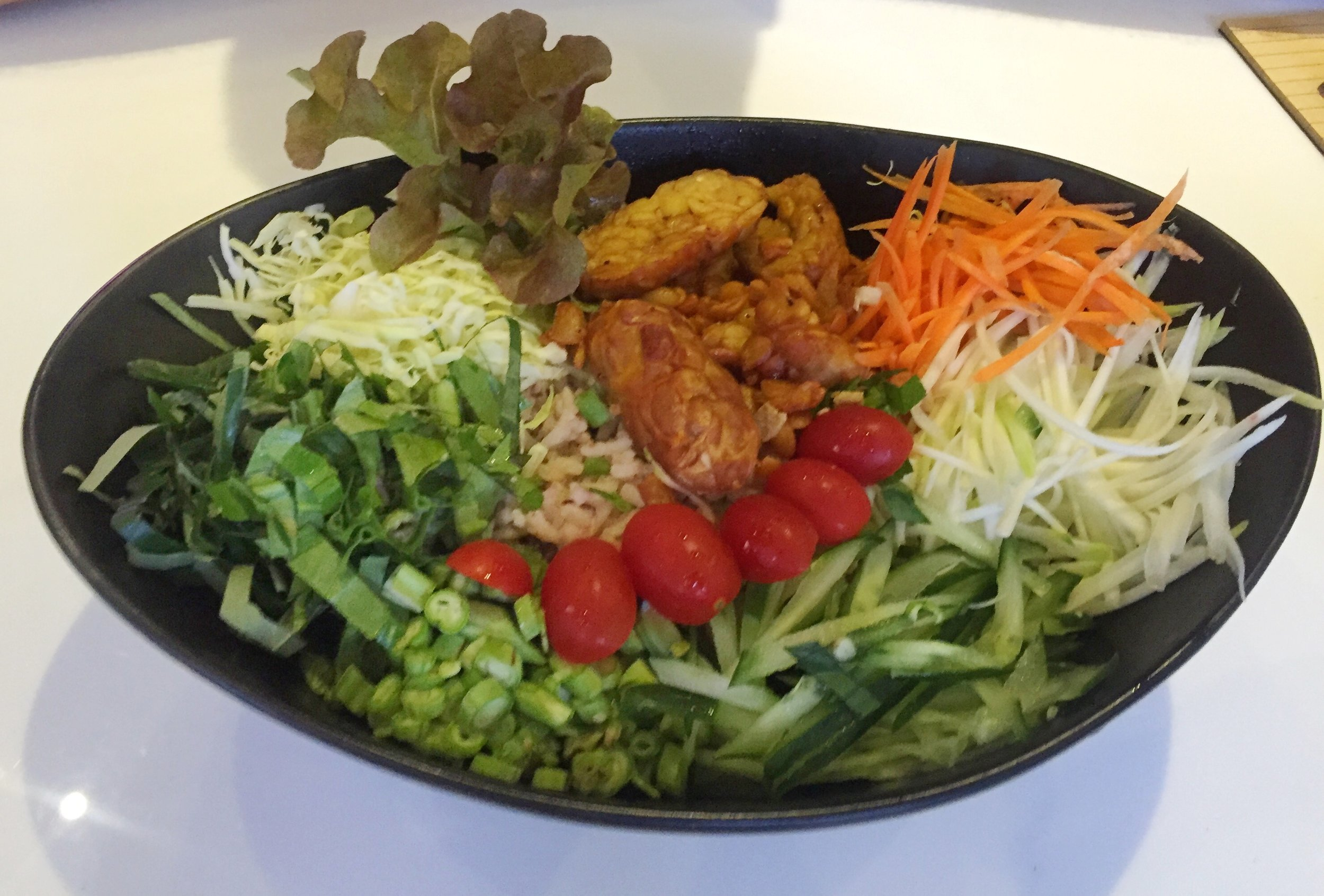 Food Costs in Chiang Mai Thailand. Western Food is more expensive. Vegan Tempeh bowl