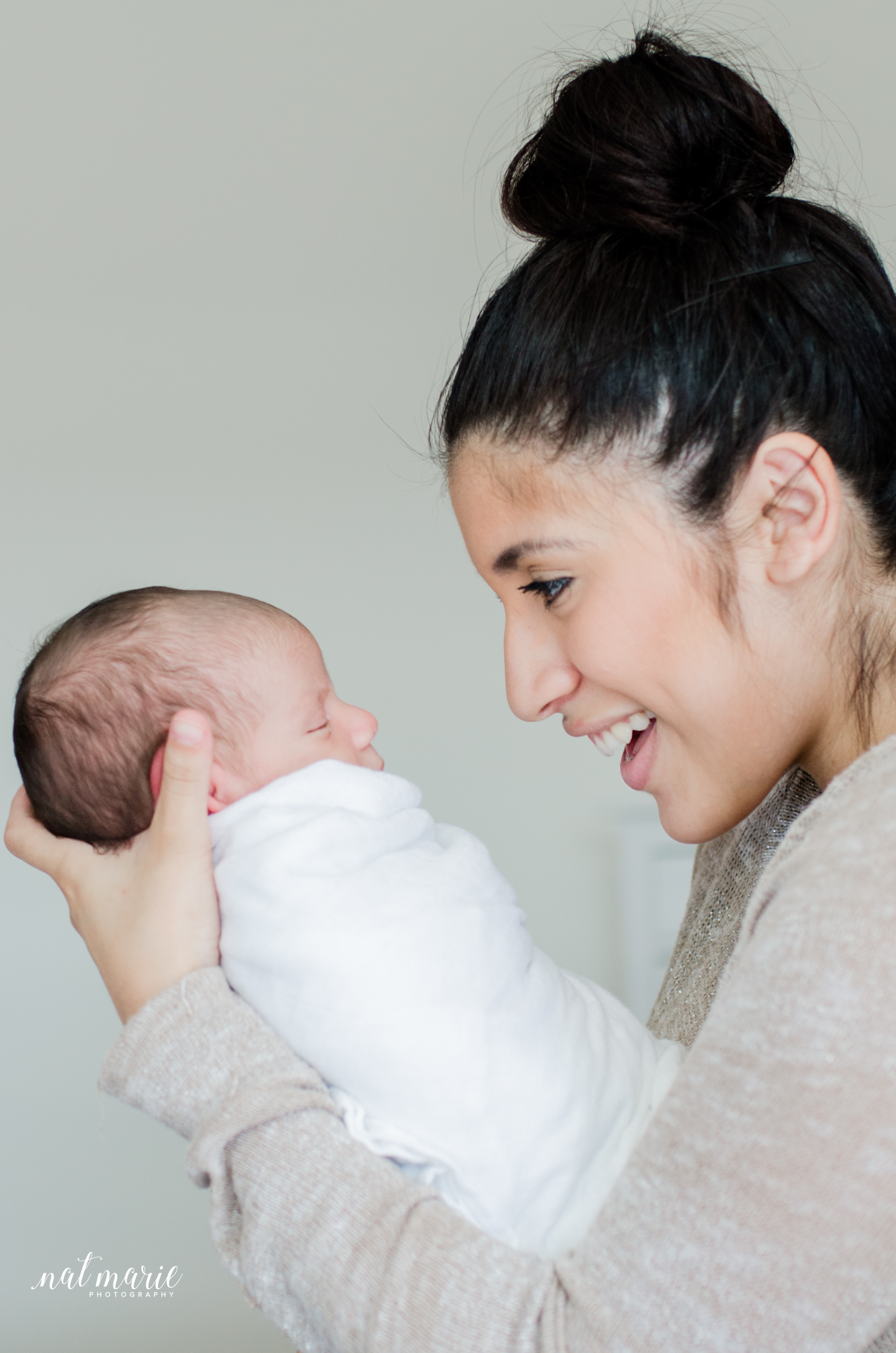 Chandler, AZ In-home Lifestyle Newborn Photography - Light & Airy Photography
