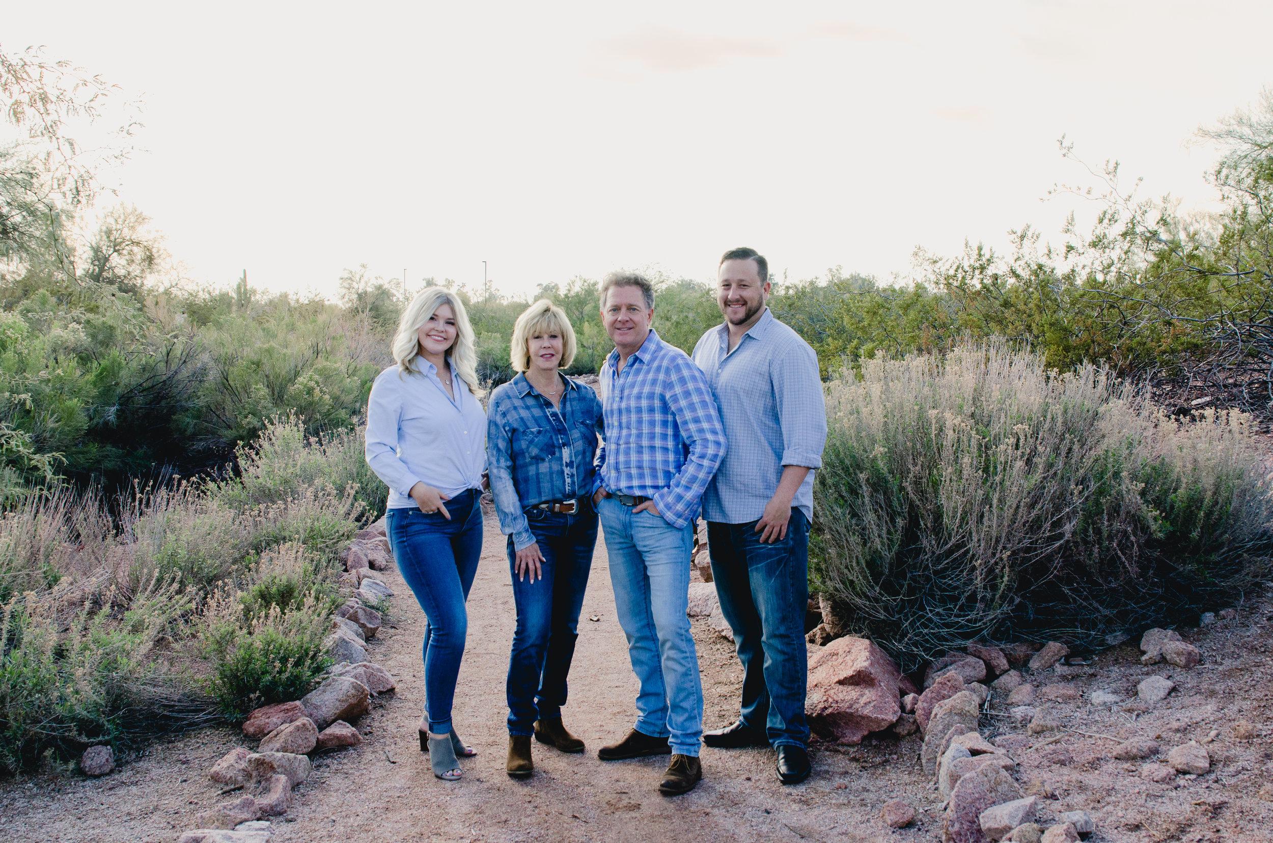 Scottsdale, AZ Family Session - Light & Airy Photographer - Papago Park