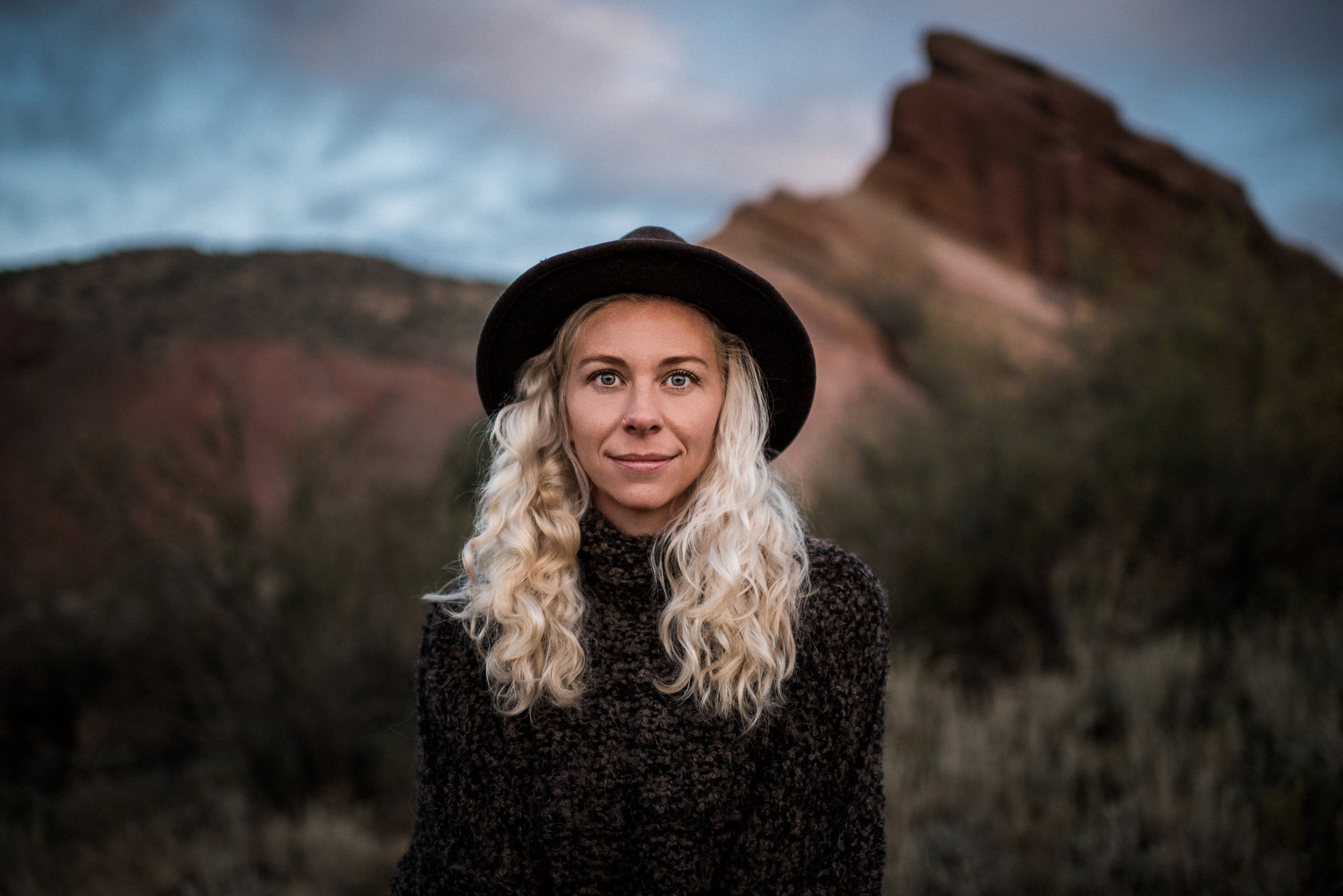 Kate_Sunrise_RedRocks_TaraShupe_DSC_4263-2.jpg