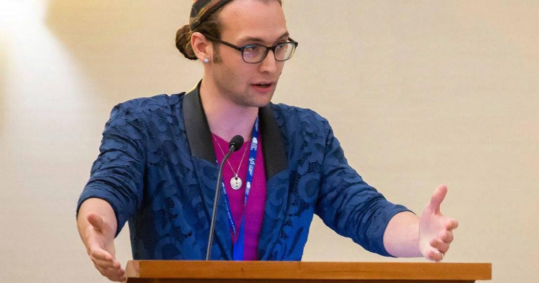 Episode 170: Queering the Jewish Bookshelf - Noam Sienna