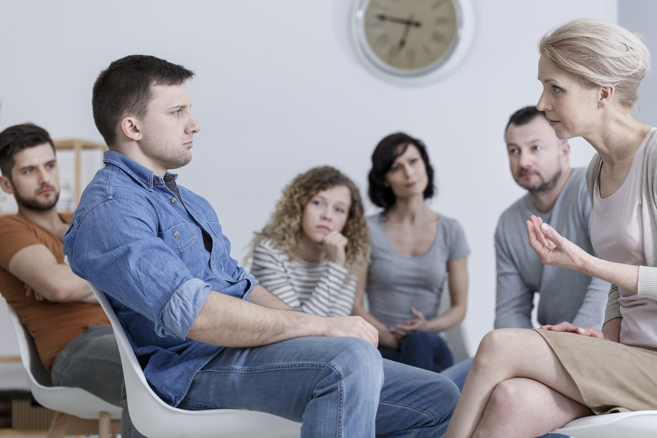 people-in-addiction-treatment-program
