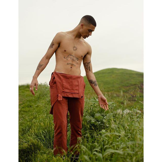 @jaxonrose wearing @seeker_us for @mmscene styled by @coreywinston_ . . . . . . . . . #fashion #fashionmagazine #menstyle #editorial #mensfashion #fashioneditorial #country #nyc #springstyle #fitmodel #cowboy #malemodel #losangeles #abs #fashionphotography #schon #abs #fitness #physique #ss19 #mmscene