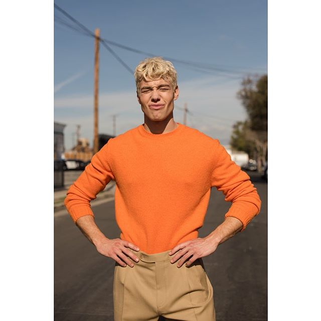 @derekchadwick styled by @rcolestevens grooming by @keeocruz and assisted by @messinaphotos for @fgukmagazine print and @mmscene online. . . . . . . . . . . #fashion #fashionmagazine #menstyle #editorial #mensfashion #style #fashioneditorial #derekchadwick #supermodel #ss19 #hugoboss #malemodel #losangeles #zadigetvoltaire #fashionphotography #mmscene #topman #fitness #physique #malefigure #gucci