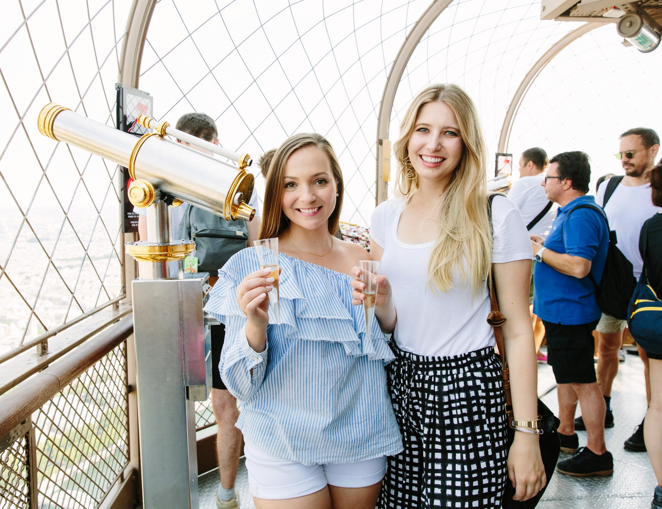 Best Things To Do In Paris // Champagne on the Eiffel Tower