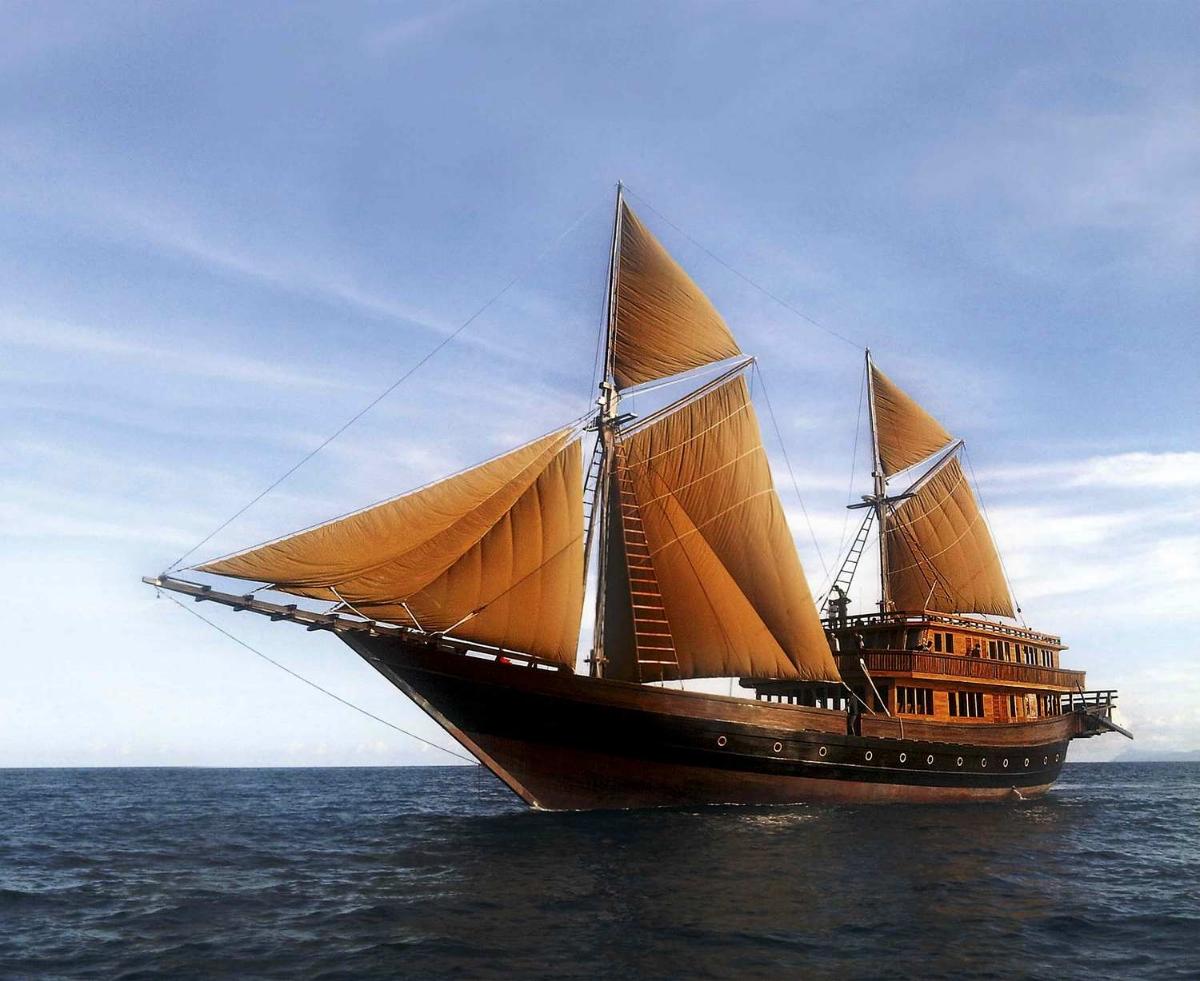Яхта ALILA PURNAMA