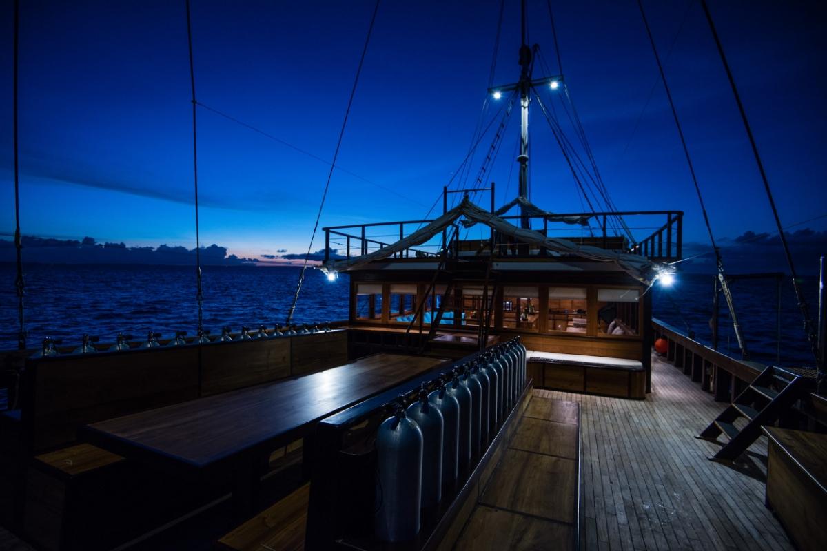 Яхта SAMAMBAIA