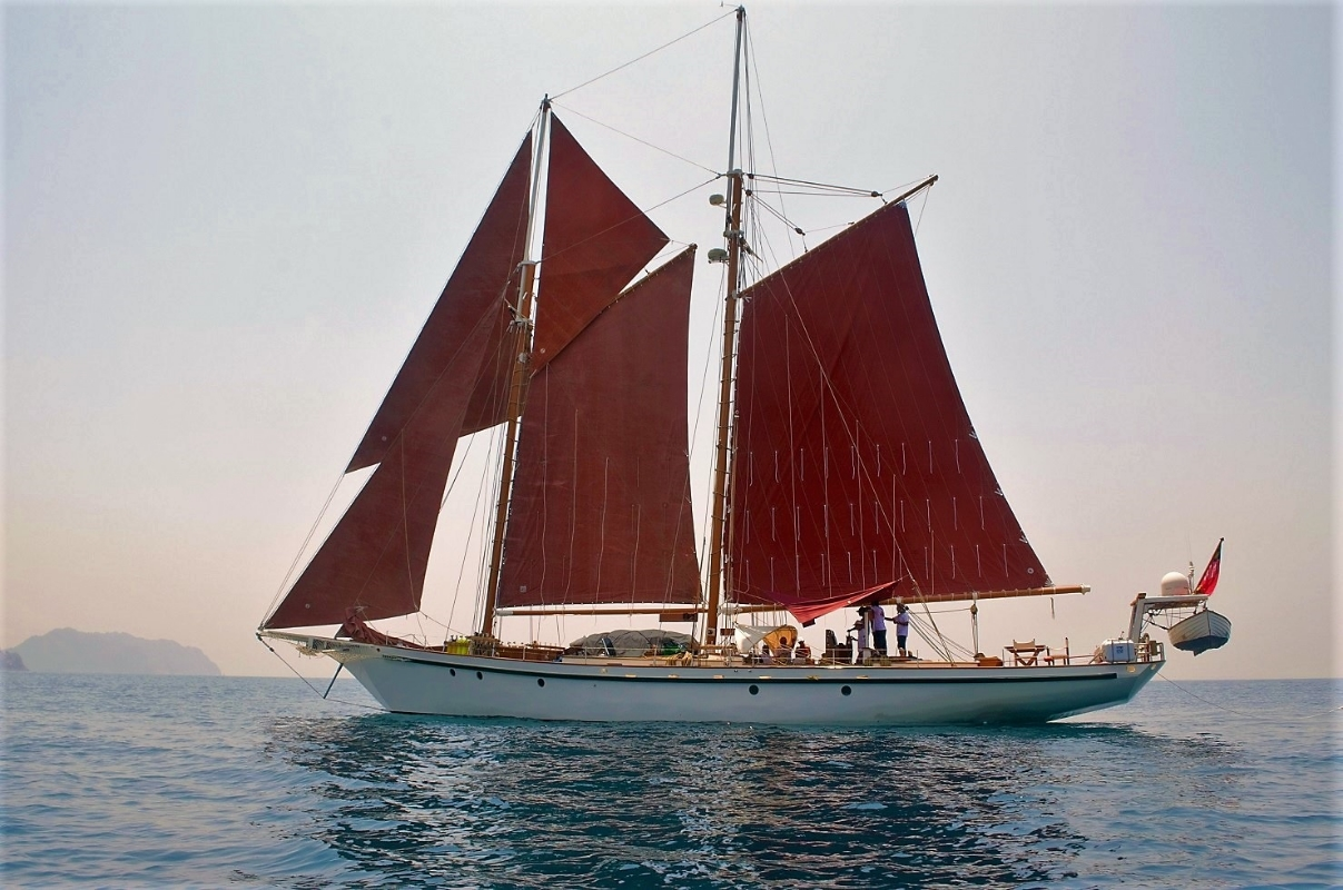 Яхта DALLINGHOO