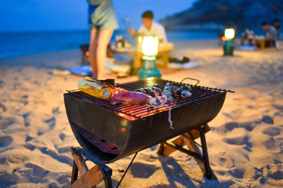 UIY_Nyaman_e4_Beach BBQ.jpg