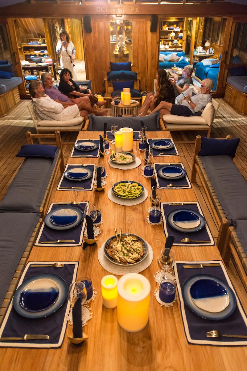 UIY_Ocean-Pure_e2-evening-table.jpg