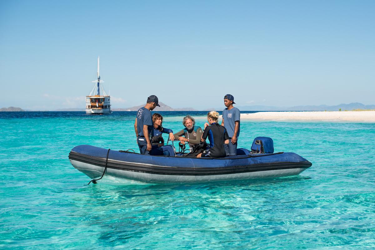 UIY_Ocean-Pure_f5-diving-komodo.jpg