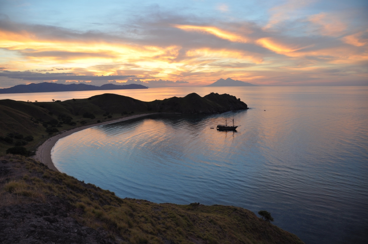 Komodo sunset 1.jpg