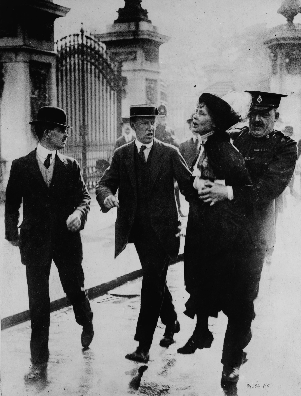 Emmeline_Pankhurst_-_being_arrested.jpg