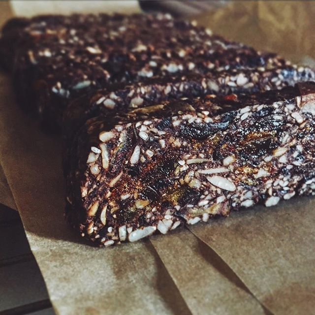 Things are hEATing up in the R➕R test kitchen.  Had to share the latest creation in our wholefood Fuel Bite range.  This little beauty is our Cacao & Sour Cherry Chili Seeded Bite with Black Bean. Gluten free Nut free Dairy free Refined-sugar free  Our Fuel Bite range is packed to the rafters with fab flavour and consciously selected nutrient-dense whole foods to keep you (your metabolism) on an even keel.  Low GI with a good amount of plant-based fat, protein and fibre. This means slowed digestion with a steady uptake of nutrients. All with the aim to keep you satiated between regular meals; avoiding blood sugar spikes/cravings/energy slumps/hunger.  With 3 different flavour profiles so far, we have your tastebuds covered.  Happy days huh? Good health and inner sunshine xxx ✨💛✨
