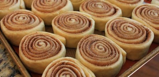 The-Best-Way-to-Freeze-Cinnamon-Rolls1.jpg