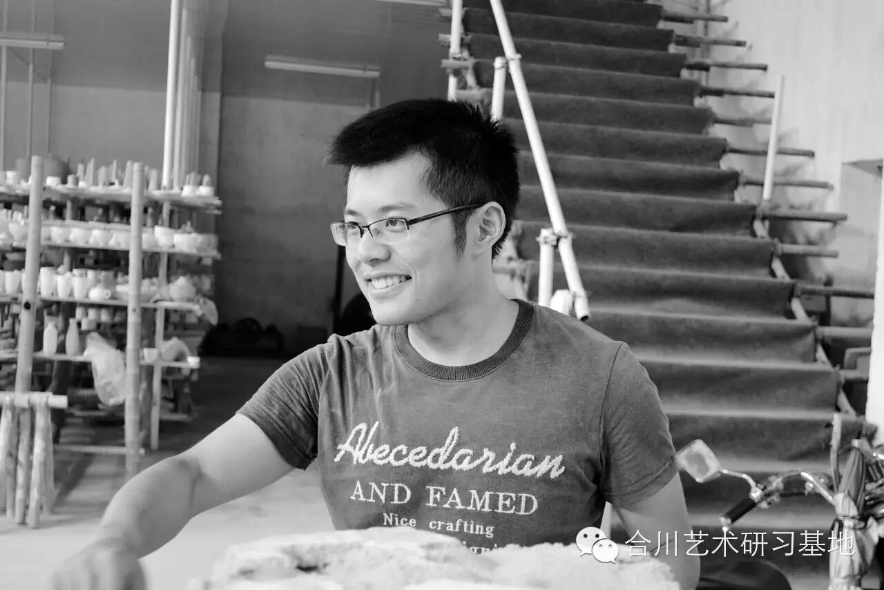 """Photo by Jingdezhen """"He Chuang"""" ceramic studio"""