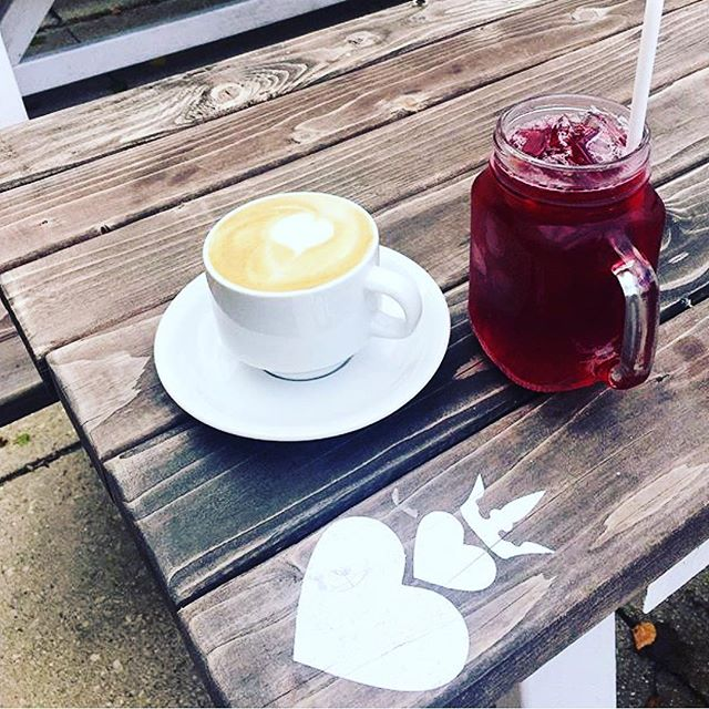 It's never too cold for an iced hibiscus lemonade...especially when you pair it with a salted vanilla latte! 🌺🍋☕️ __________ Gorgeous photo by @letstalkprettyblog. Drinks crafted by #TwoHeartedQueen.