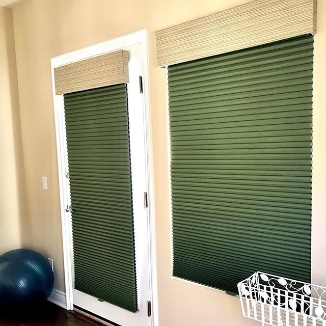 Woo happy Friday!! Check out these bold colored Duette® Honeycomb shades in our client's home.👇 What's cool about Duette® Honeycomb Shades is that they feature the most expansive selection of fabrics, colors, design options and operating systems in the industry! Say what!? 😲 • • • • #pacificinstallers #carlsbadcalifornia #encinitas #carlsbad #oceanside #poway #windowtreatments #windowcoverings #hunterdouglas #duetteshades #duettes #duette #honeycombshades #cellularsahdes #custom #northcountysandiego #localbusiness #modernhomedesign #vistacalifornia #friyay #finallyfriday