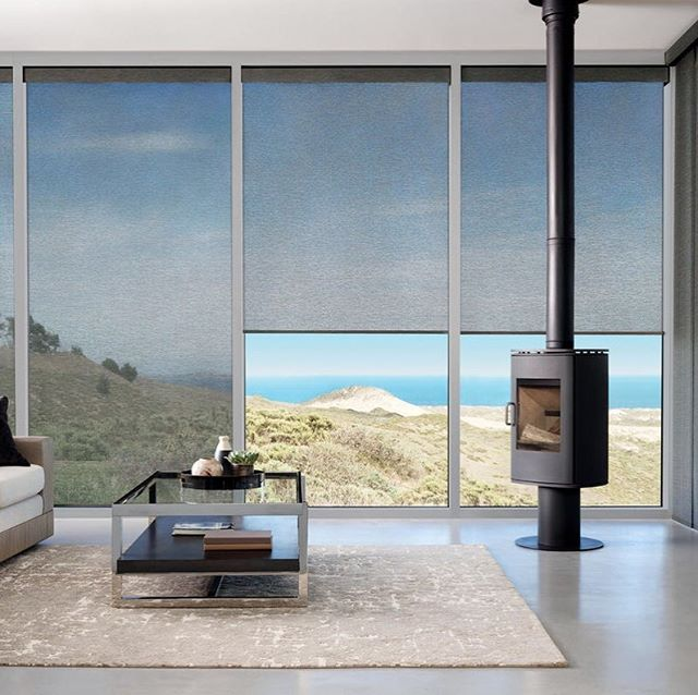 Balancing privacy with views 🙌🏼 Screen shades can do more than just offer privacy and light, ours offer UV protection without sacrificing your view. 😎☀️Designed and custom-made in the US, #HunterDouglas Alustra Woven Textures are carefully curated using unique blends of high-quality fibers and textures to deliver luxe light-filtering and UV protection to your entertaining space. #ThePerfectShade • • • • #pacificinstallers #screenshades #rollershades #uvprotection #carlsbadcalifornia #vistacalifornia #powaycalifornia #oceansidecalifornia #hunterdouglas #windowcoverings #privacywithviews #roomwithaview #madeinamerica #northcounty