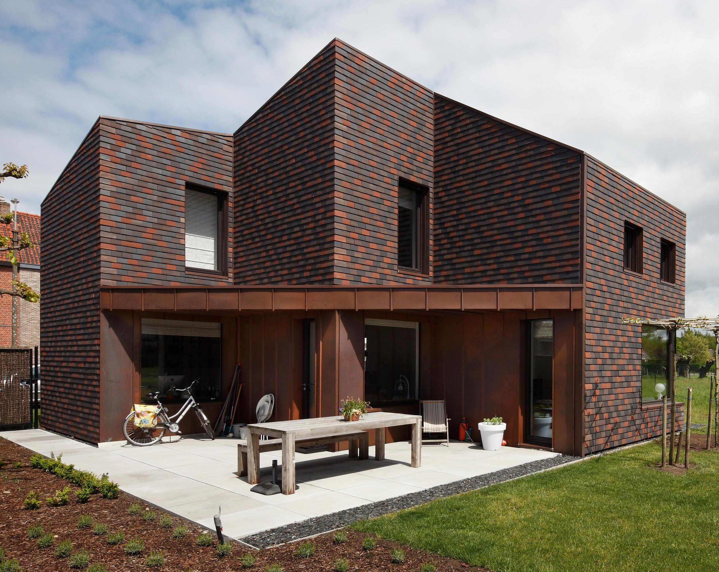 Clay masonry