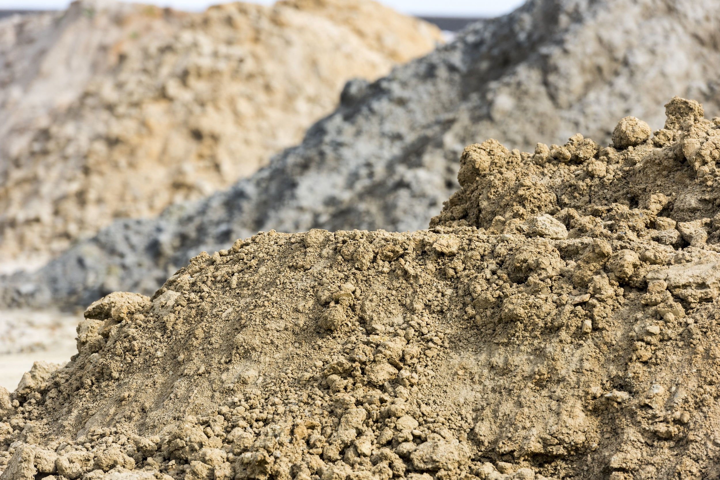 Heaps of clay raw material (Uwe Strasser for Wienerberger AG)