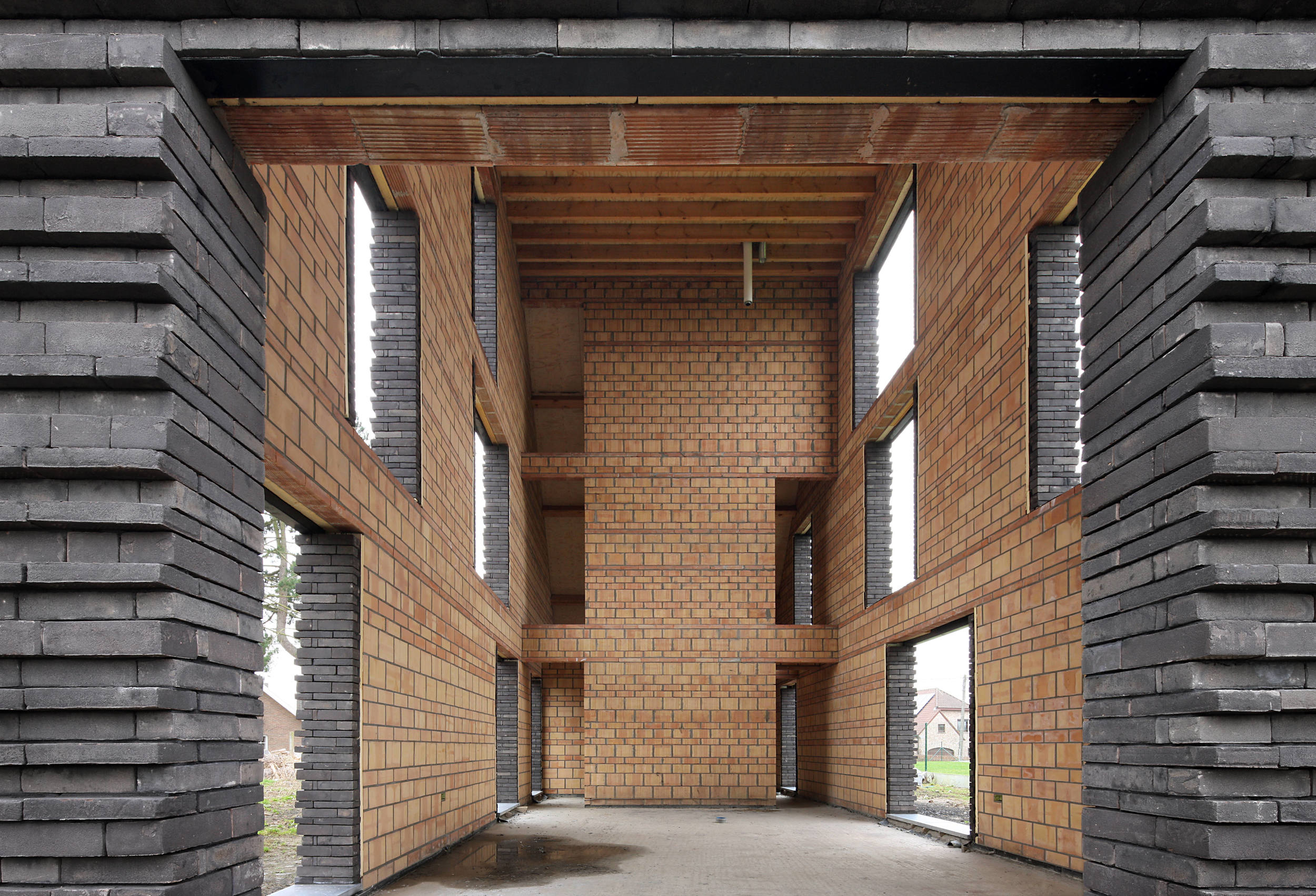 Construction of robust walls (Filip Dujardin for Belgian Brick Federation)