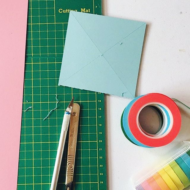✂️Behind the scenes from yesterday's shoot with @spoonfulsugarco ✂️ Had an absolute ball with Judy and was exciting to build a whole set out of paper!! #productphotography #productphotographer #propstyling #setdesign #100daysoflittledelights #lifeledbycolor #abmcrafty #craftsposure #creativityfound #makersgonnamake 📷 by @spoonfulsugarco