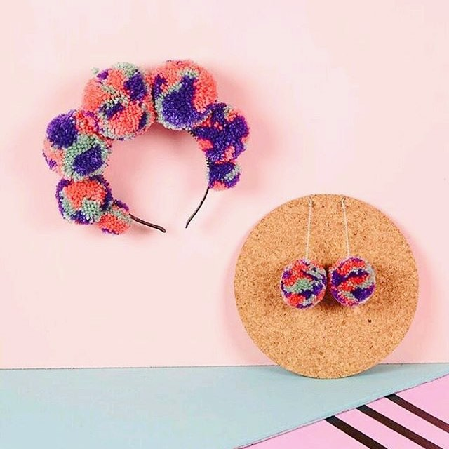 💜Cheering up this rainy Monday morning with one of my shots with @woollypompoms !! 💜 #productphotography #productphotographer #propstyling #setdesign #craftsposure #creativityfound #designermaker #etsyuk #makersgonnamake