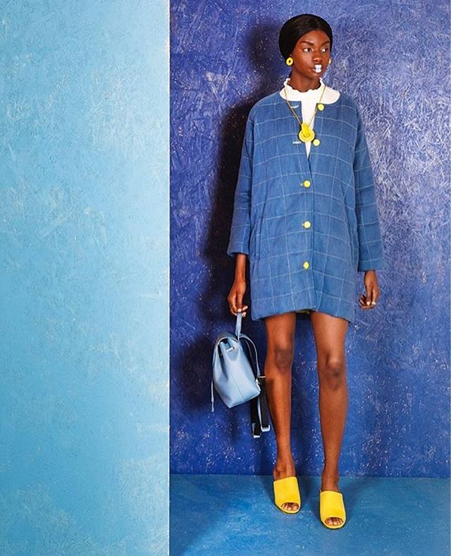 💛💙💛 Colour me RAD!! 💙💛💙 One of my shots from the latest @caboodlemagazine !! #caboodlemagazine #lifeledbycolor #dresscolourfully #abmlifeiscolorful #thecolorgang #blue #colourpop #fashioneditorial #fashionphotography