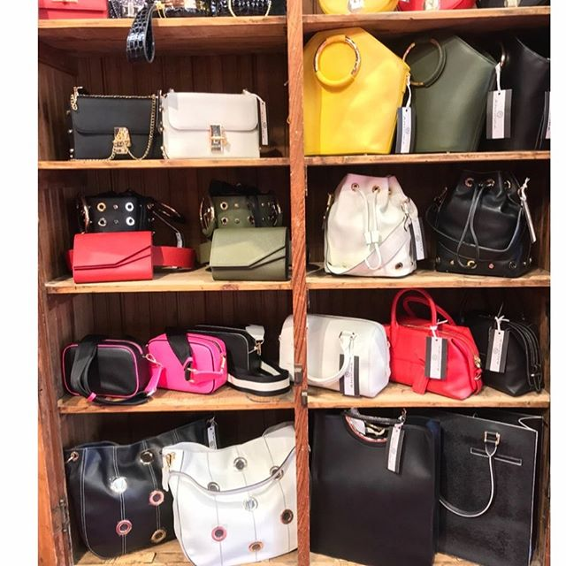 Sale... @andora handbags @shoplarmoire in New Canaan #estatejewelry  #boutique  #fashion  #fashionnova  #ctmagazine  #westchestercounty  #fairfieldcounty  #myfavoritethings  #fryay #newcanaanmoms