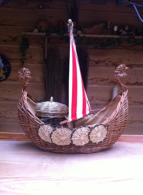 Cradle_To-Grave-Ash_Viking_Burial_Ship_For_Ashes.jpg