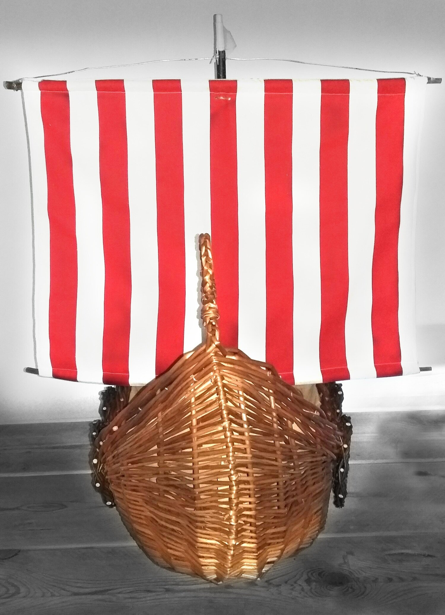 viking+ship+casket+with+red+and+white+sails.jpg