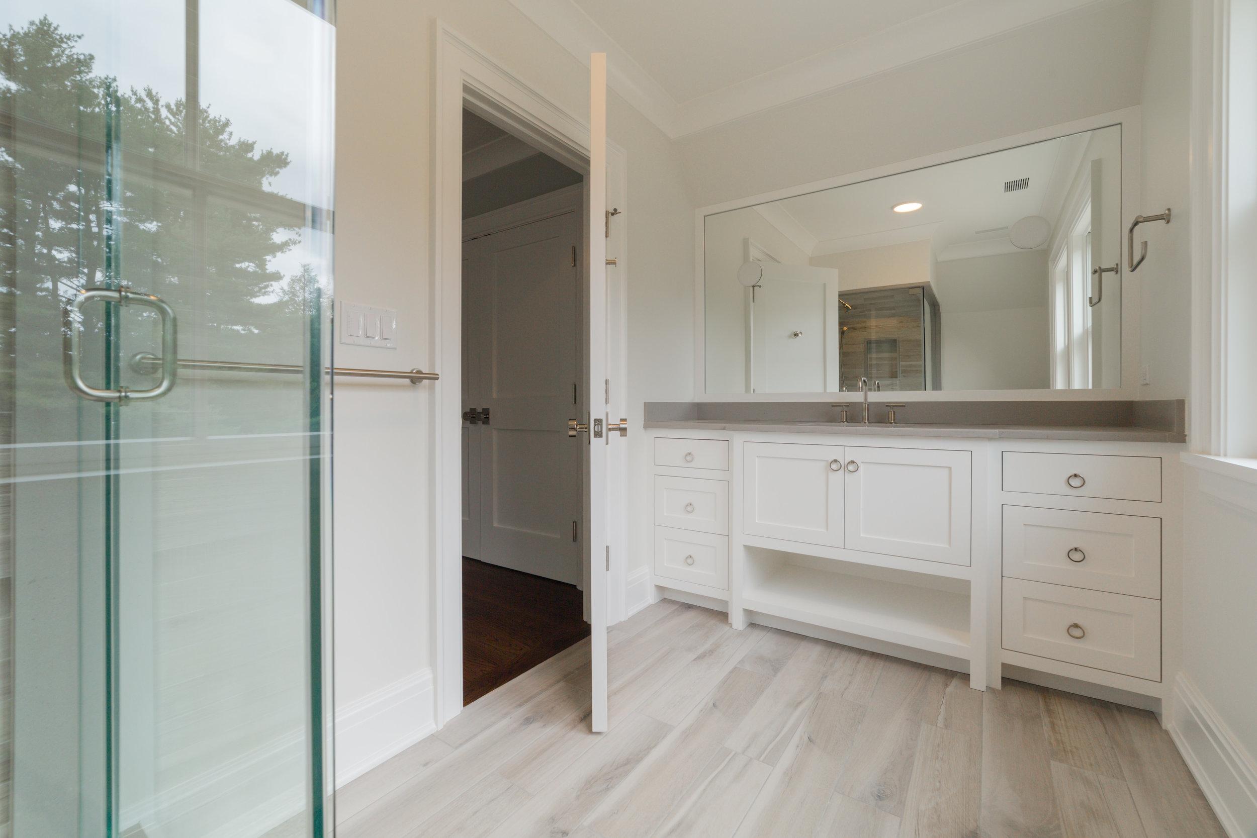 Bathroom #4 1.jpg