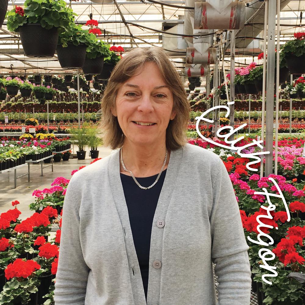 Édith Frigon - Mère des 5 Grover et grand-maman de 7 petits-enfants, Édith a grandement contribué à la croissance et au succès de l'entreprise familiale. Elle mérite et profite de sa pré-retraite en accompagnant ses enfants dans leurs nouvelles ambitions pour la reprise de la ferme.