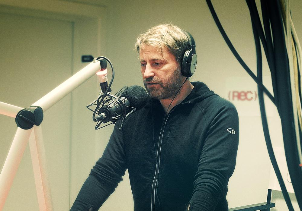 Olivier Tjon in de Rec-opnamestudio