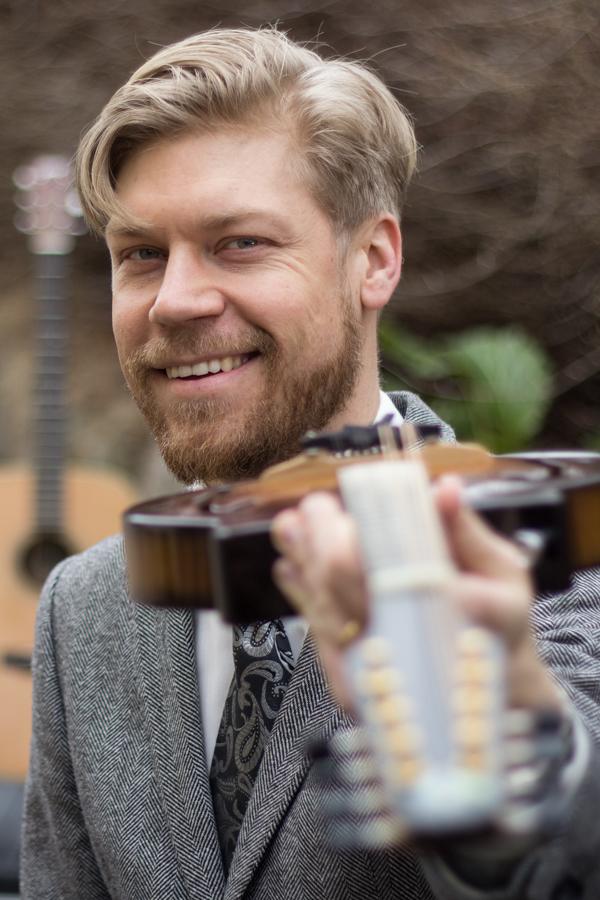 magnus_zetterlund_mandolin_guitar