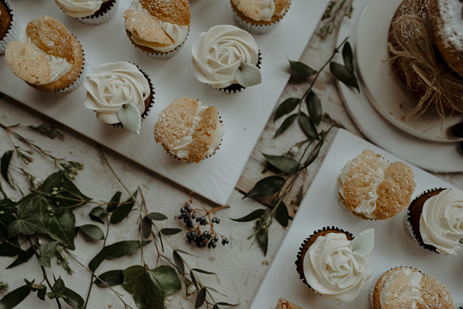 Liggys Cakes SG Wedding 2_opt.jpg