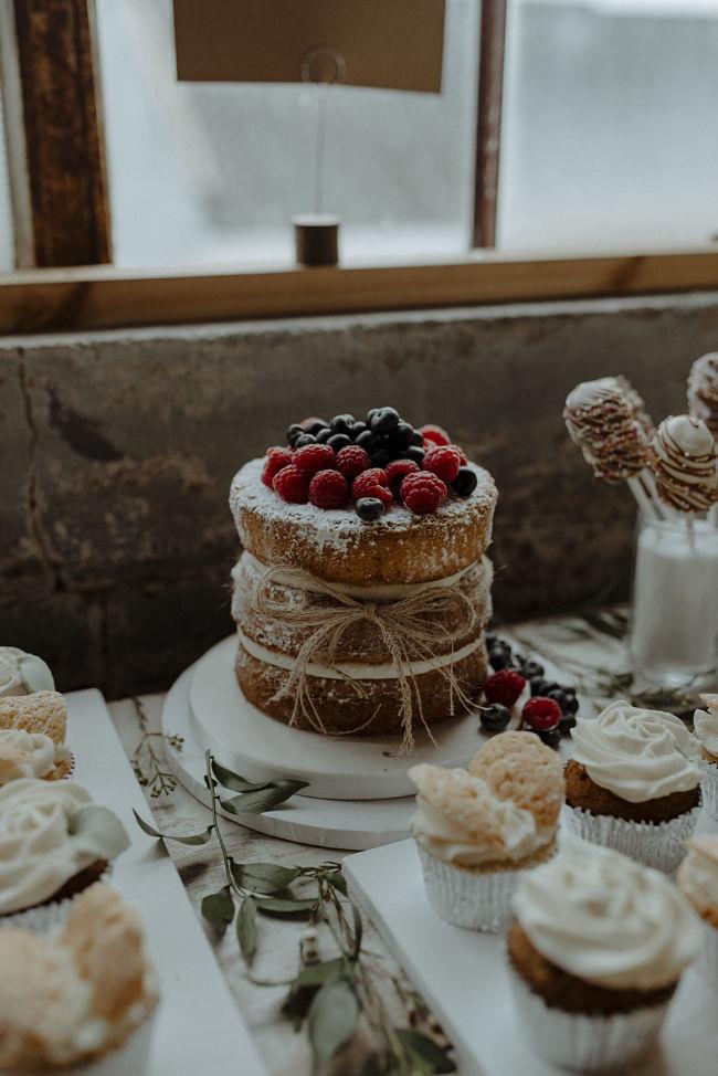 Liggys Cakes SG Wedding 3_opt.jpg