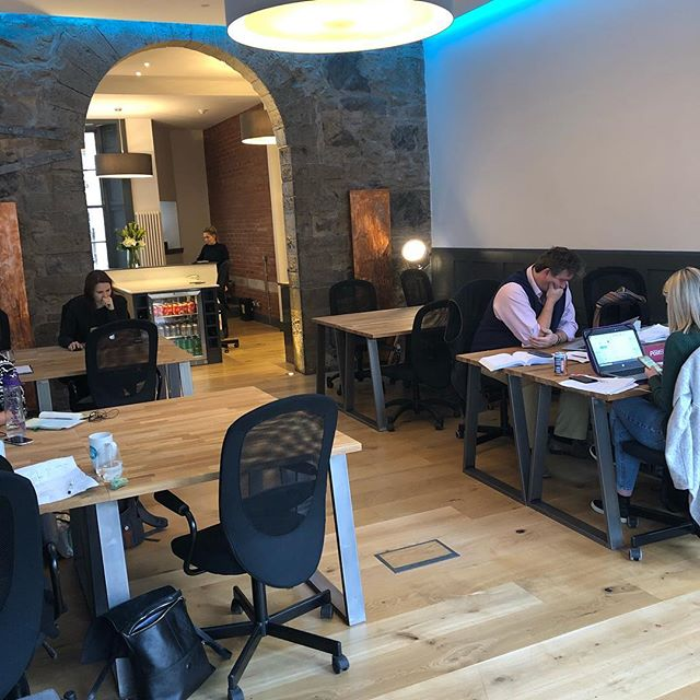 @kingsford_edinburgh allows freelancers, entrepreneurs, start-ups, and business leaders to work and network in a shared space. It is a flexible, modern alternative to the traditional office and is becoming more and more popular every year.  They offer a range of flexible plans to choose from, so you can enjoy the freedom to scale as your business grows.