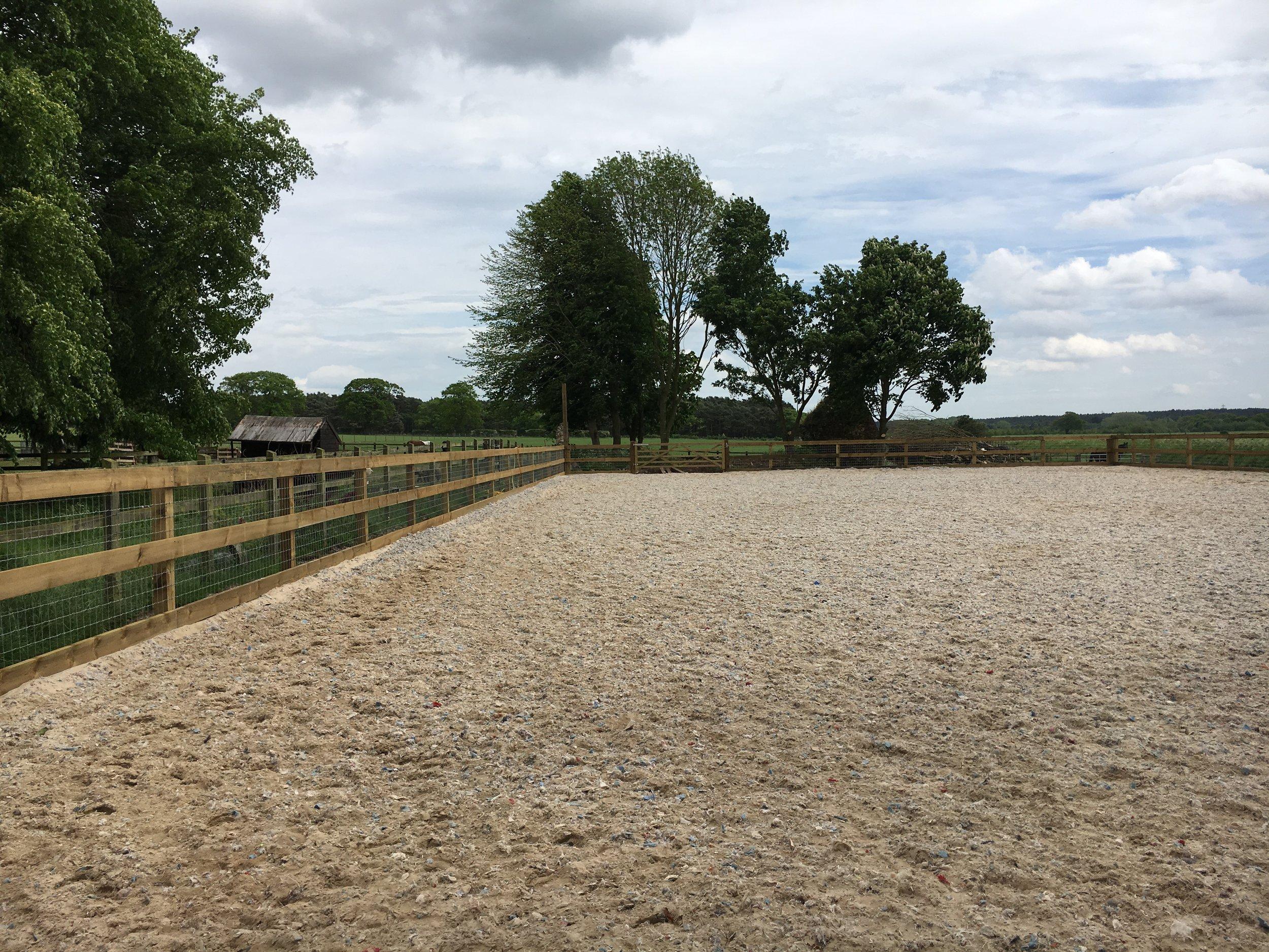horse-arena-at-blackborough-end7.jpg