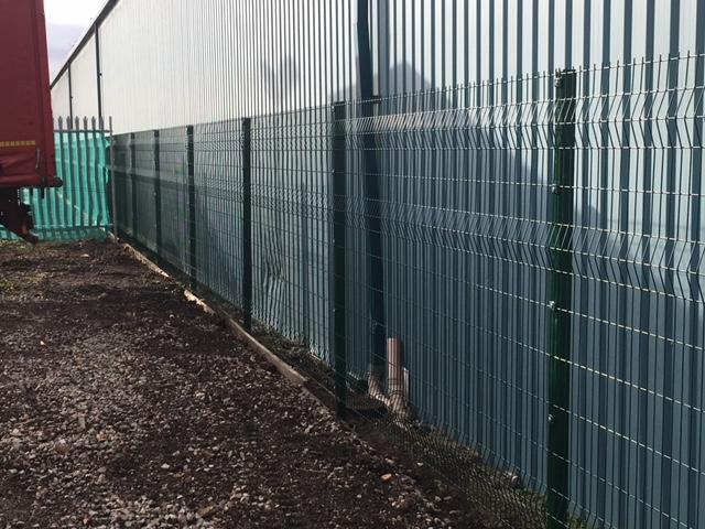 Industrial V-Mesh fencing