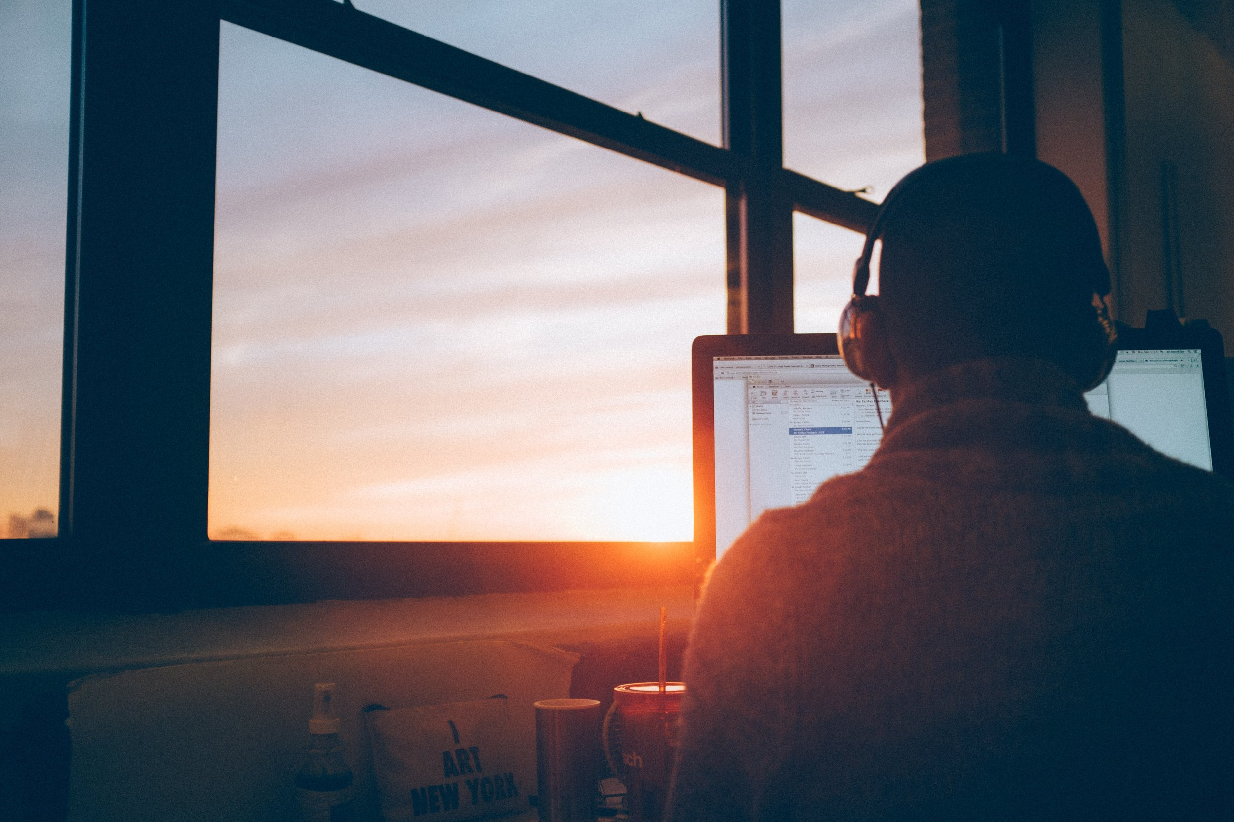 Want to increase productivity? Check out how motivational and inspirational this article can change the physical and mental being to maximize our morning routine and workday.