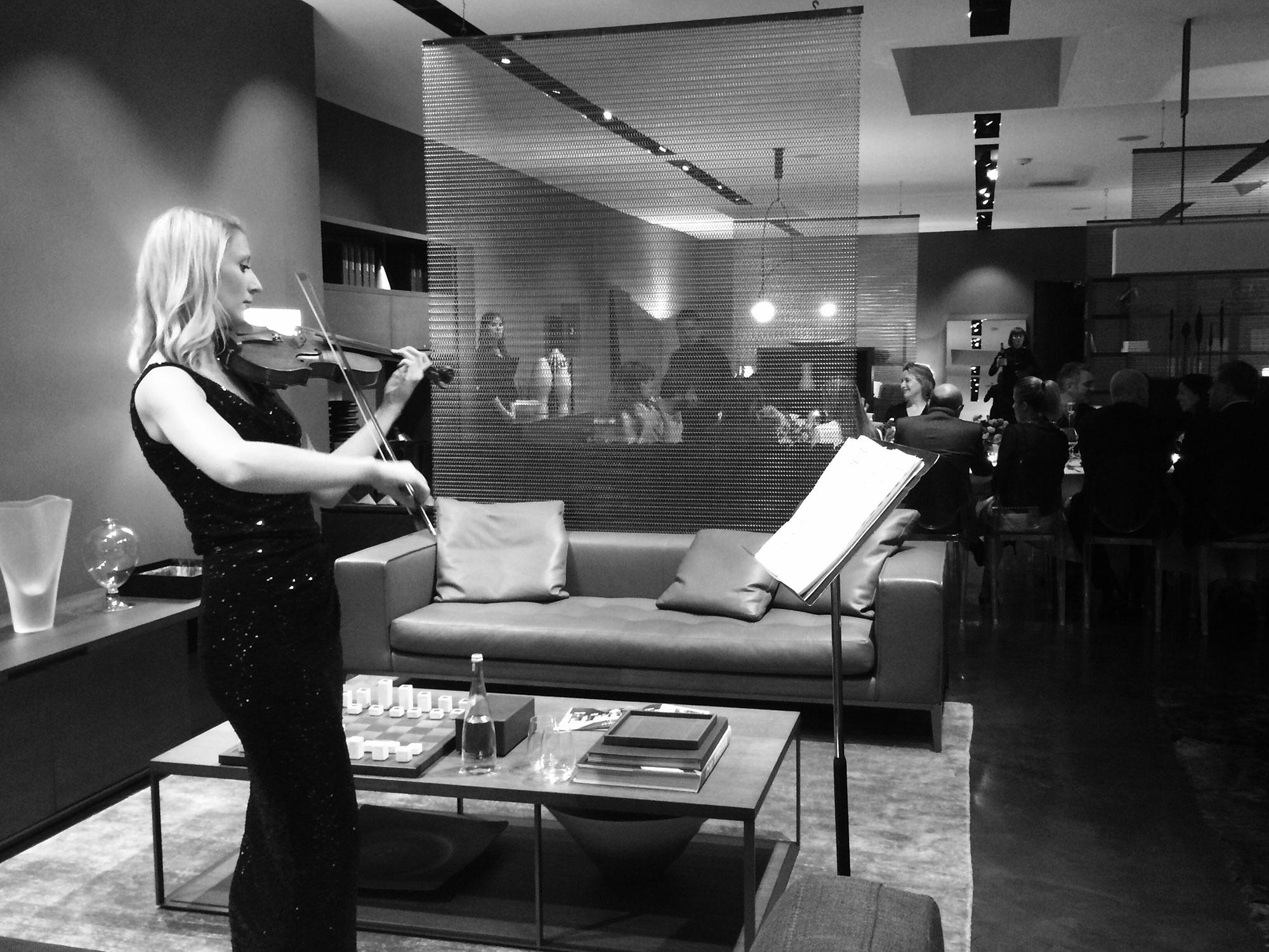 gulla-jonsdottir-news-maxalto-violin.jpg