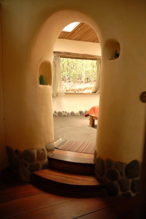 Entrada Choza Dormitorio.jpg