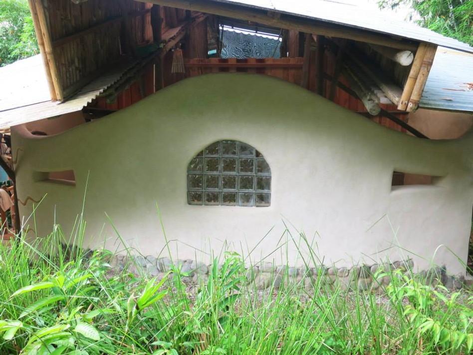 Cob Wall Costa Rica