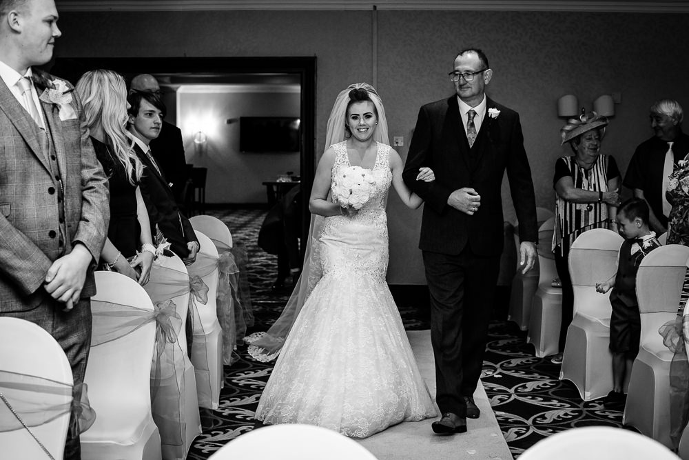 Cheryl-Rob-Marriot-Worsley-Wedding-Photographer-13.jpg