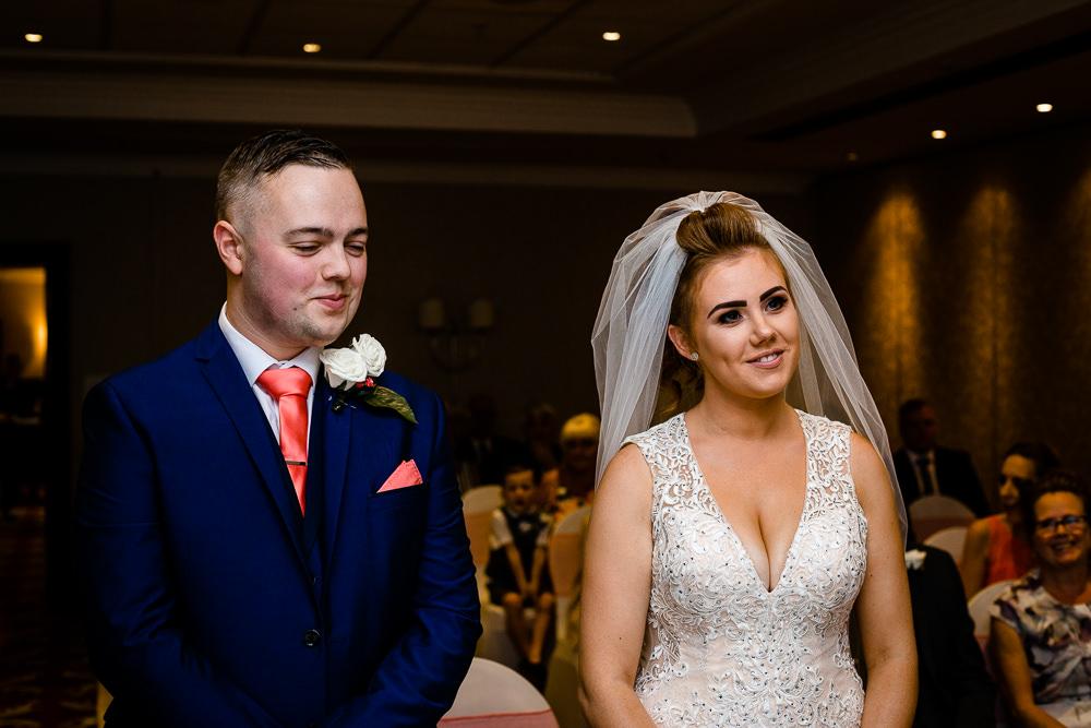 Cheryl-Rob-Marriot-Worsley-Wedding-Photographer-17.jpg
