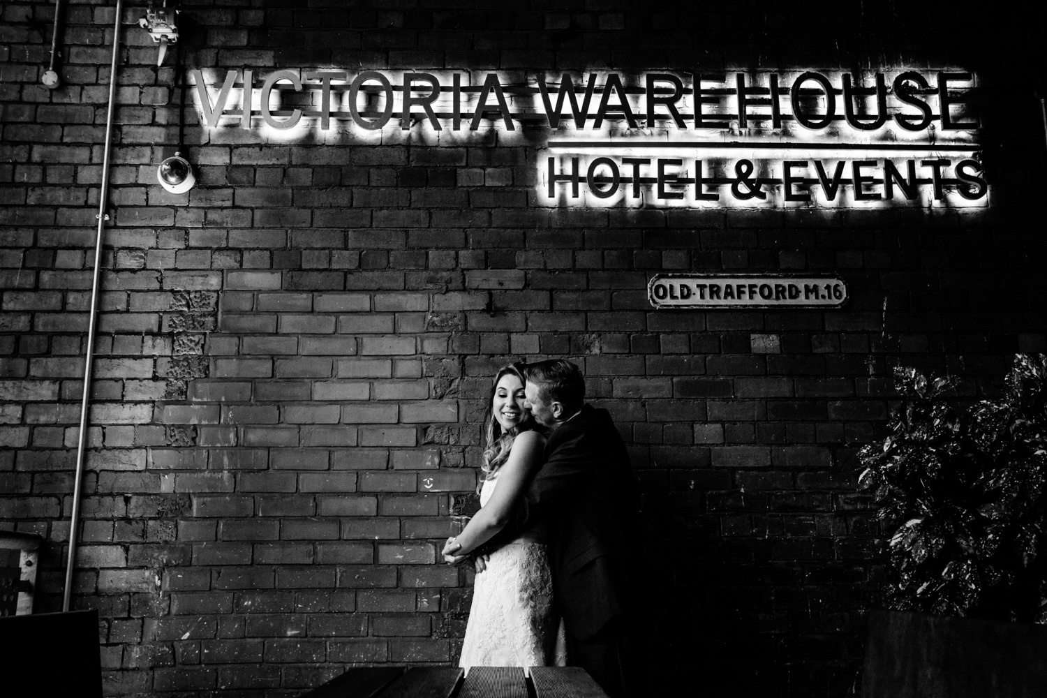 victoria-warehouse-wedding-photographer-076.jpg